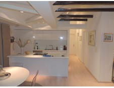 Pantovčak, namještena kuća katnica 450 m2 + okućnica 600 m2